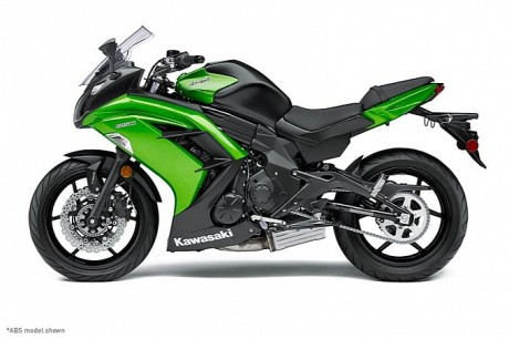 2014-kawasaki-ninja-650-shows-up-photo-gallery-medium_2