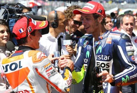 Duel-Rossi-vs-Marquez-di-MotoGP-Mugello-1