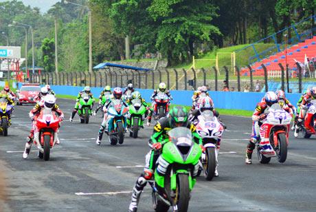 Asia-Road-Racing-Championship-Seri-2-Sirkuit-Sentul-2014-1