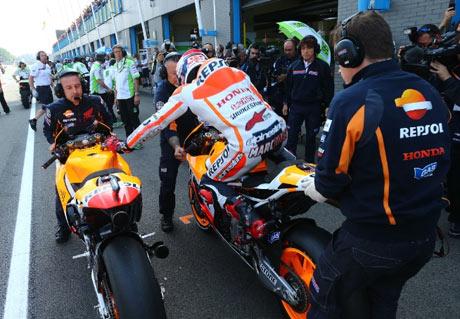 Marquez-Juarai-MotoGP-Assen-Belanda