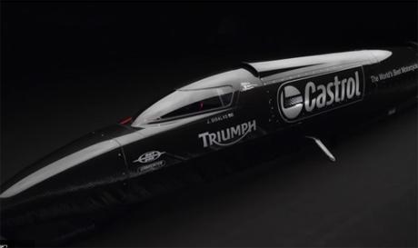 Kerjasama-Triumph-dan-Castrol