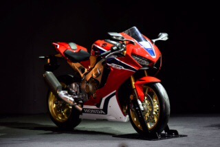 Intermot 2016 - 17YM CBR1000RR Fireblade SP/SP2 and 17YM CB1100 EX/RS