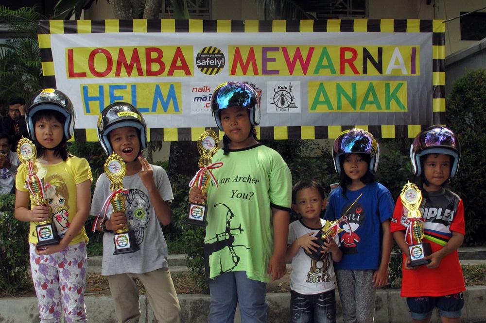 Kutu_Community_Lomba_Mewarnai_Helm_Anak_Jogja_10